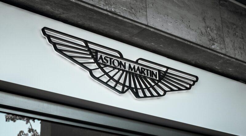Aston Martin slika